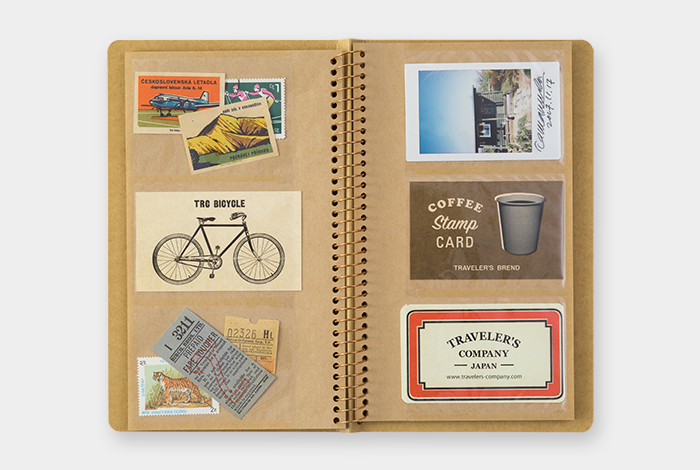 A5スリムには名刺やショップカード、チェキのプリントなどが72枚、B6には写真やポストカードが24枚収納できます。